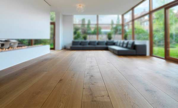 Houten vloer schoonmaken met de producten van rigostep skylt